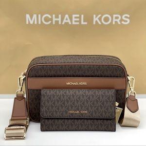 Michael Kors Kenly LG Pocket XBody &Trifold Wallet